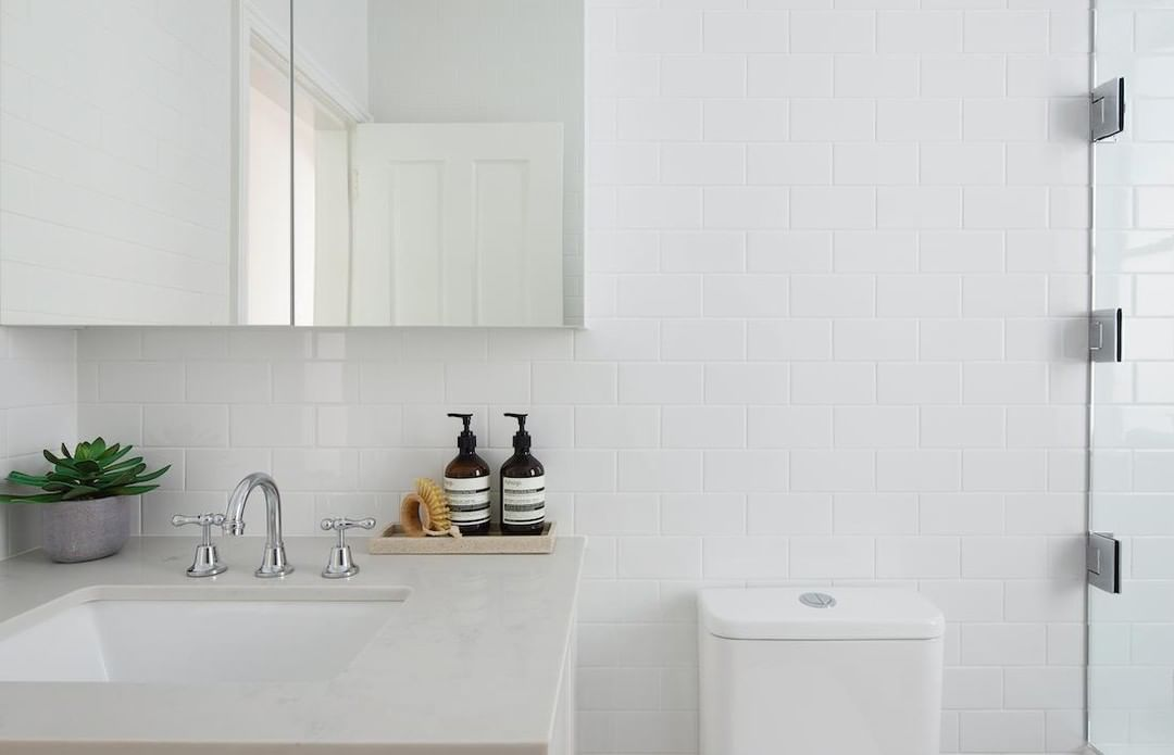 What products do you use to clean your bathrooms? Depending on how harsh the chemicals are, the material you build with can wear down fairly quickly. 💡 Choose cleaning products that are good for your home and good for the planet! #BuildYourDream #AJPconstructions #CLTexpert . . . . #sydneyboutiquebuilder #CLT #renovationadditionspecialist #sydneybuilder #archdaily #australianarchitecture #sydneyarchitecture #crosslaminatedtimber #bathroominspo #bathroomgoals #marble